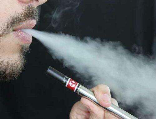 fumatore di sigaretta elettronica
